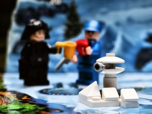 Day 5: Hoth gun turret Not a particularly interesting one today. A gun turret from Echo Base on Hoth. A bit finicky to put together for big fingers and the end result is a little disappointing. Still, we seem to have moved onto Rebel stuff now so I'm curious to see what comes next. #starwars #lego #advent2016 #celticonphotography